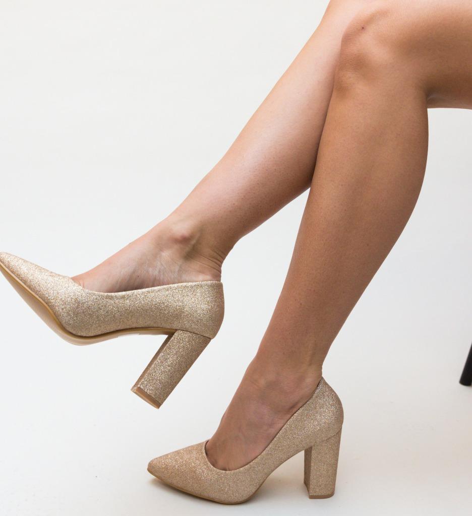 Pantofi Tyga Aurii