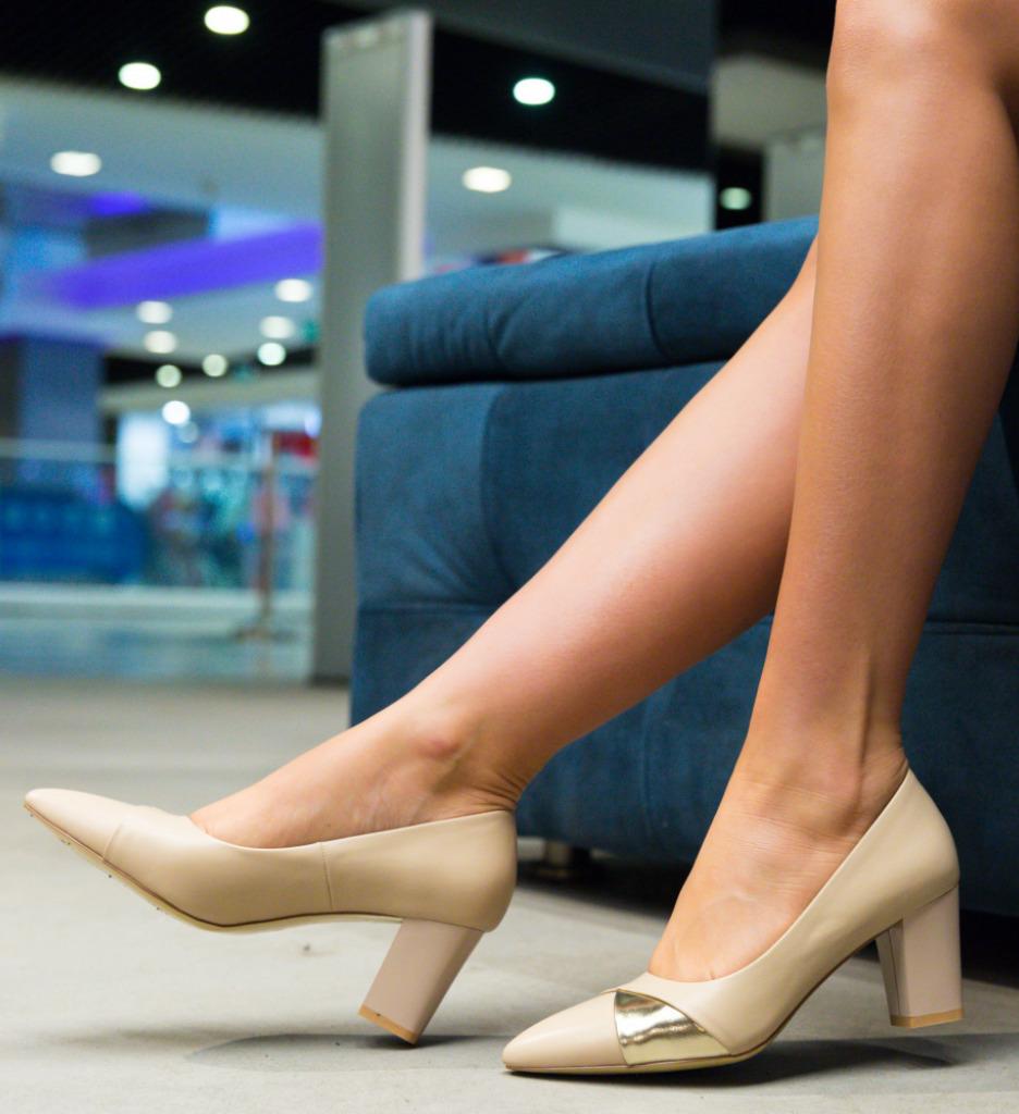 Pantofi Alix Bej