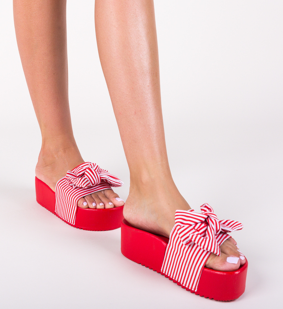 Papuci Begum Rosii