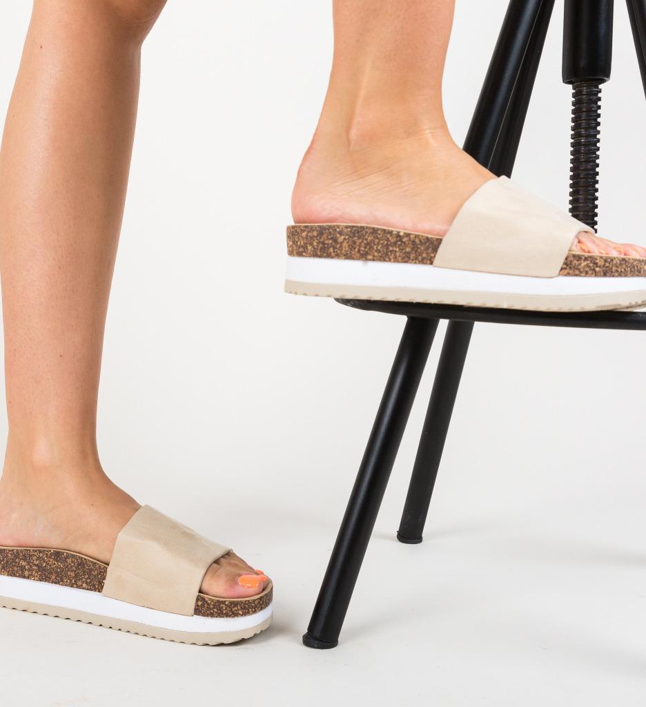 Papuci Stuart Bej