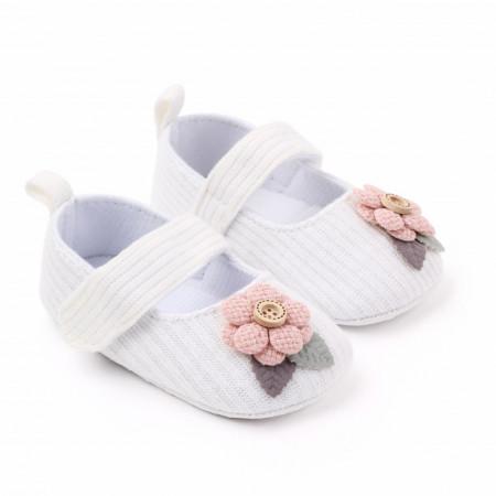 Pantofiori albi cu floricica roz aplicata