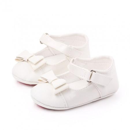 Pantofiori albi din lac cu fundita cu sclipici