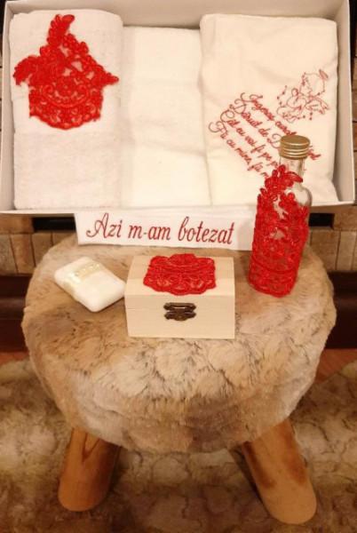 Trusou pentru botez cu dantela rosie - Ingerasul pazitor