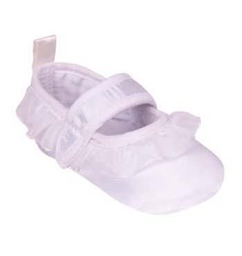 Pantofiori albi cu volanase