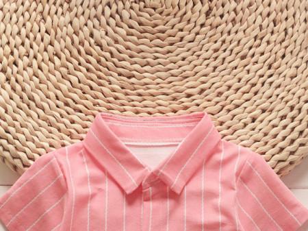 Costumas cu camasa roz neon