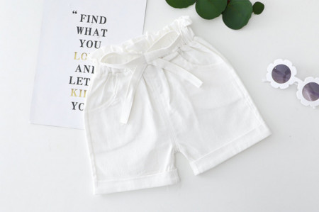 Costumas pentru fetite cu bluzita si pantaloni scurti