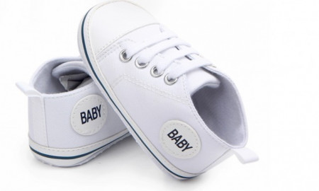 Tenisi albi pentru bebelusi - Baby