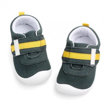 Pantofi baietei verzi
