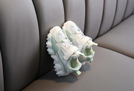Adidasi ivoire cu vernil pentru copii