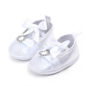 Pantofiori albi pentru botez fetite