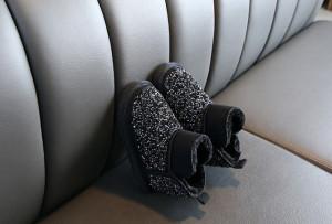 Cizme negre imblanite cu strasuri
