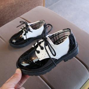 Pantofi eleganti din lac pentru baietei