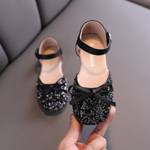 Pantofi negri cu strasuri