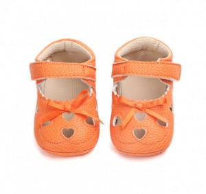 Pantofiori decupati portocalii - Inimioare