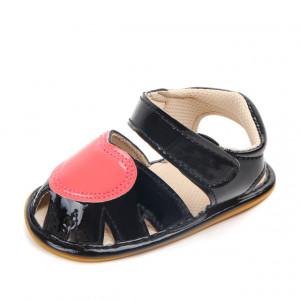 Sandalute pentru fetite negre cu inimioara roz