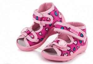 Sandalute pentru fetite - Inimioare colorate