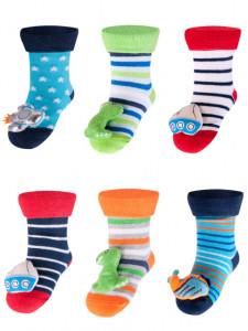 Sosetele colorate cu jucarioara pentru baieti - Modele Diverse