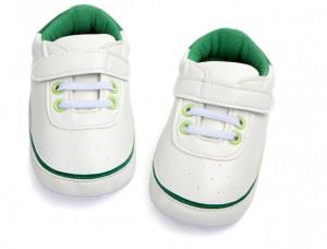Adidasi bebelusi albi cu verde