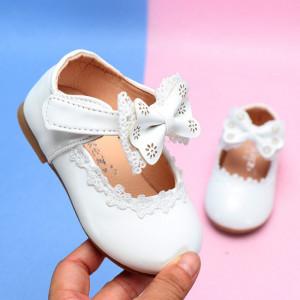 Pantofiori albi cu fundita si danteluta