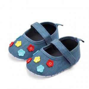 Pantofiori din blugi cu floricele