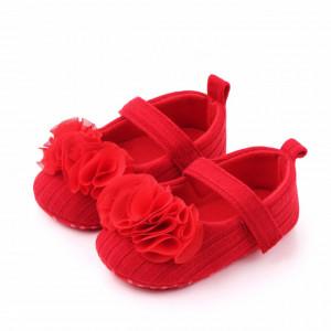 Pantofiori rosii cu floricele din tulle