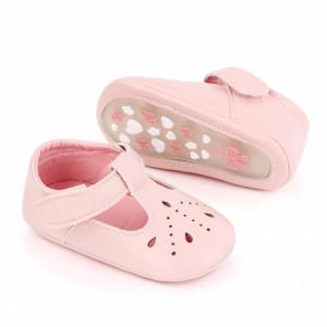 Pantofiori roz cu puncte decupate