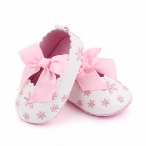 Pantofiori albi cu floricele si fundita roz