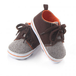 Pantofiori baietei maro
