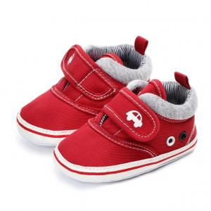 Pantofiori baietei rosii - Masinuta