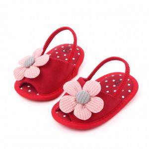 Pantofiori decupati rosii cu margareta roz