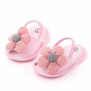 Pantofiori decupati roz cu margareta