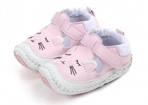 Pantofiori fetite roz - Pisicuta somnoroasa