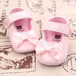 Pantofiori roz din lac - Micuta printesa