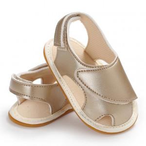Sandale aurii inchise in fata