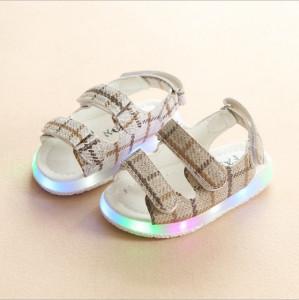Sandale pentru fetite cu luminite