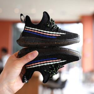 Adidasi negri cu dungi colorate