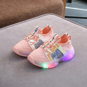 Adidasi roz somon sidefati cu luminite