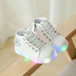 Ghetute albe cu luminite