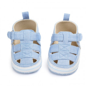 Pantofiori decupati bleu