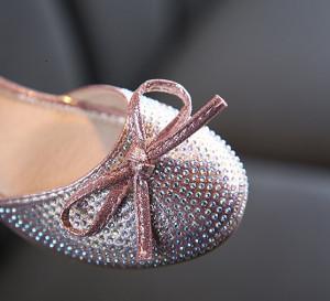 Pantofi eleganti roz sidefat cu strasuri
