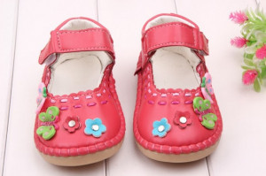 Pantofiori fetite roz ciclamen - Fluturasi si floricele