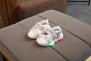 Sandale ivoire cu luminite pentru baietei