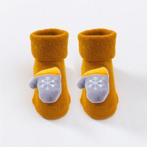 Sosetele flausate pentru bebelusi - Jucarioare de Craciun