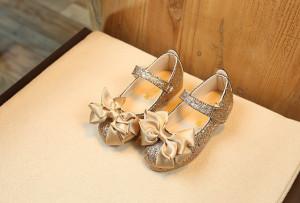 Pantofi eleganti cu sclipici pentru fetite