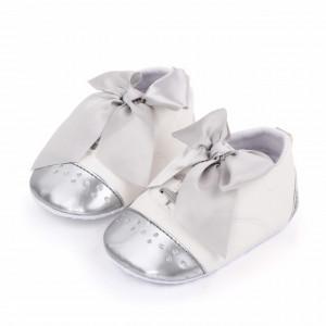 Pantofiori albi cu fundita argintie