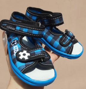 Sandalute pentru baietei - Carouri albastre
