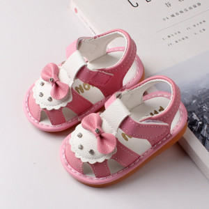 Sandalute roz cu alb si cu fundita