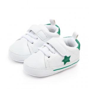 Adidasi bebelusi cu steluta verde