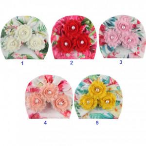 Caciulita tip turban inflorata cu floricele cu perlute