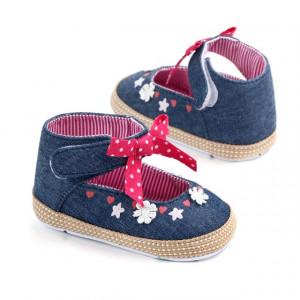 Pantofiori fetite - Floricele albe